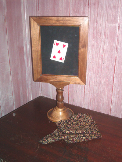 Pedestal card Frame-Walnut